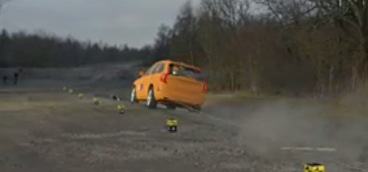 Le système « Safe positionnement » Volvo testé par un crash test outdoor